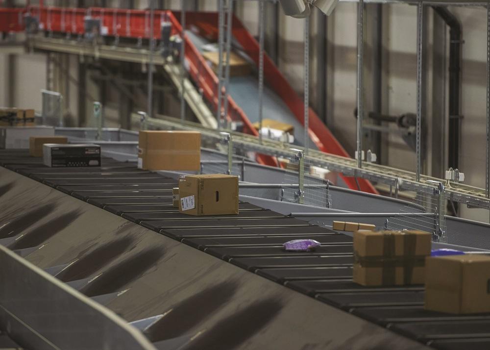 Logistics BusinessCrisplant to supply high-speed distribution system to Swisslog for fashion retailer Varner's new distribution centre