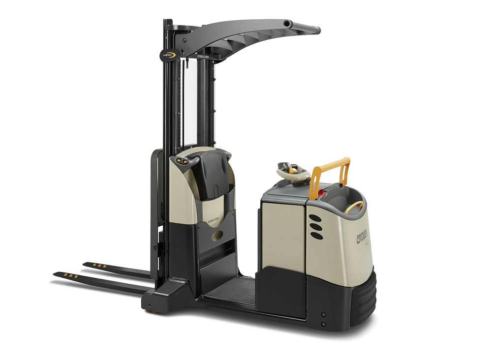 Logistics BusinessCrown launches new multi-purpose lift truck with high-lift mast
