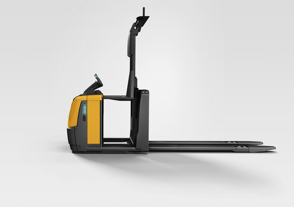 Logistics BusinessJungheinrich step up efficiency with new ride-on order pickers