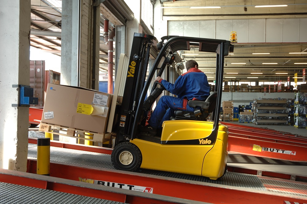 Logistics BusinessIs This Europe's Most Energy Efficient Electric Forklift?
