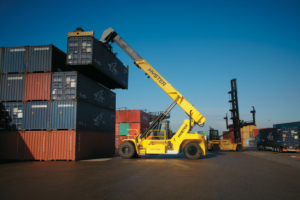 Logistics BusinessFreightliner Chooses Hyster Reachstackers in New £3.5 million Deal with Briggs