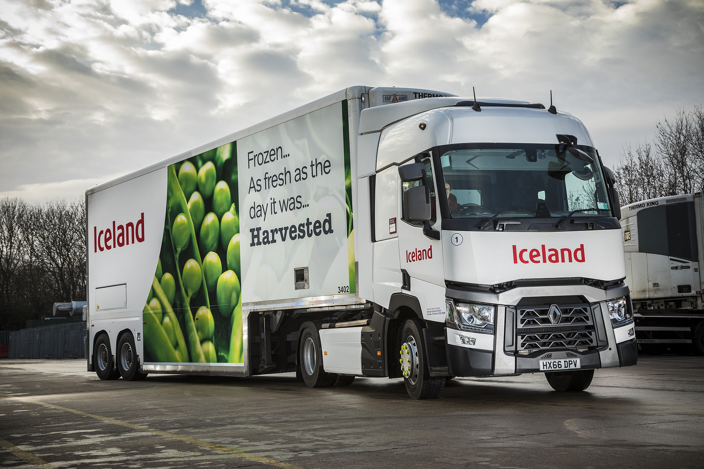 New Trucks And Vmu Contract For Uk Supermarket Chain