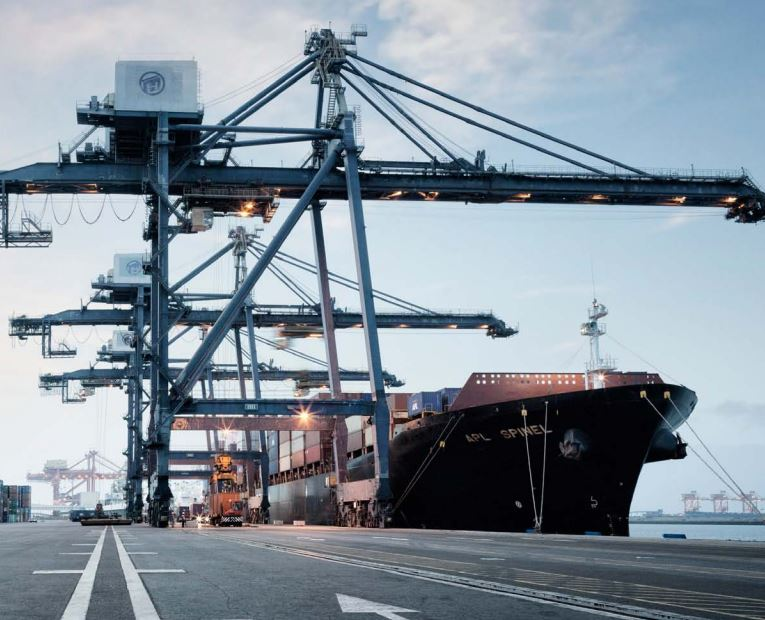 Logistics BusinessConnectedness and the supply chain at the heart of business success