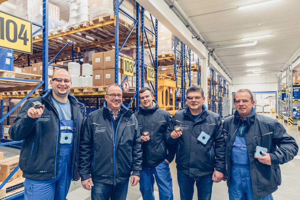 Logistics BusinessPick-by-vision in warehouses