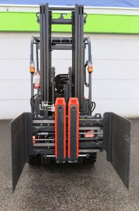 Logistics BusinessSpecialist Two-in-One Attachment Doubles Up for Electronics Retailer
