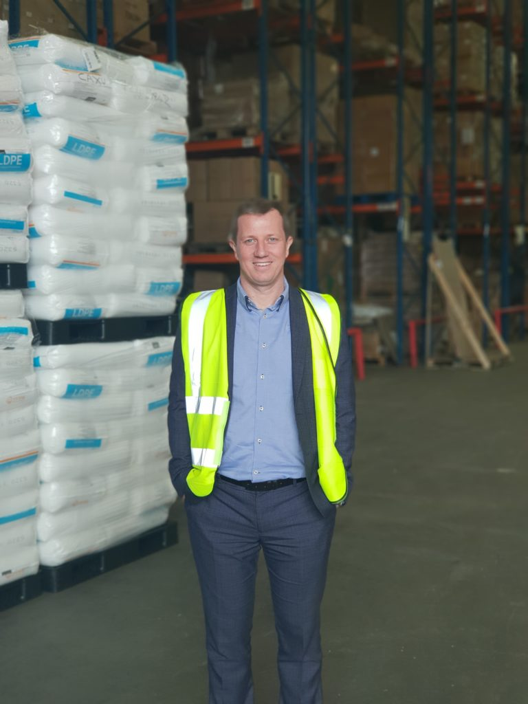 combining warehousing and transportation to serve A j warehousing, the solution to all your warehousing needs distribution storage fulfilment pick pack and more based in uk england west midlands birmingham.