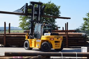 Logistics BusinessCase Study: Oil and Gas Specialist Takes First Hyundai Forklift