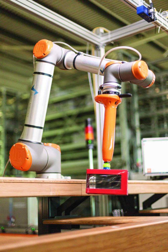 Logistics BusinessVanderlande Smart Cobot Starts Finland Pilot Project