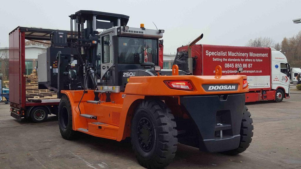 Logistics BusinessCase Study: Mills CNC Goes for Heavy Handling with Doosan Gentle Giant