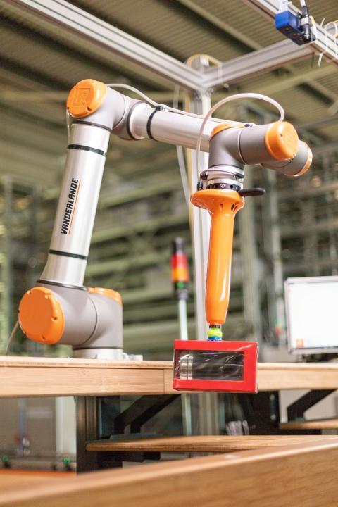 Logistics BusinessVanderlande Signs Cooperation Deal on AI Robotics Software
