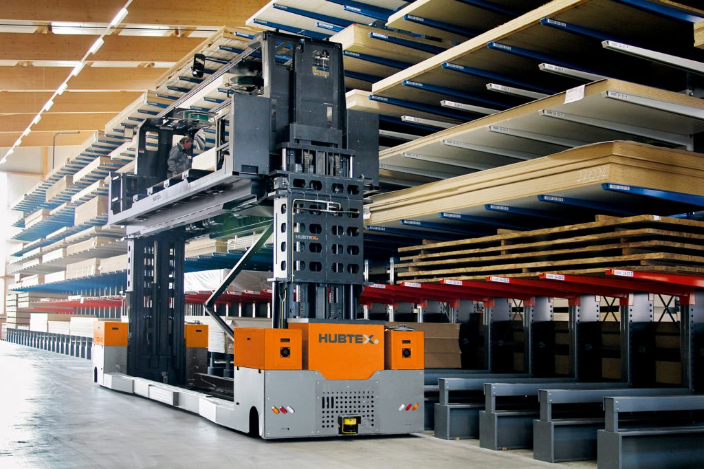 Logistics BusinessHubtex Models for Long and Bulky Wood Handling on Show at LIGNA