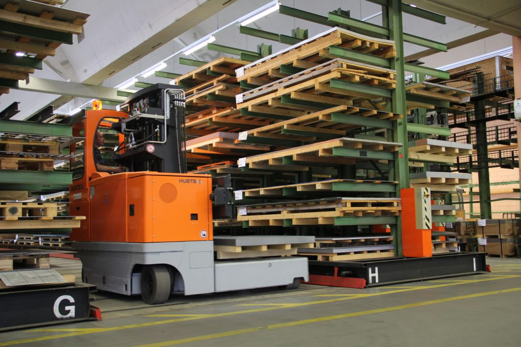 Logistics BusinessHubtex to Launch AGV Tailored for Long Load Handling