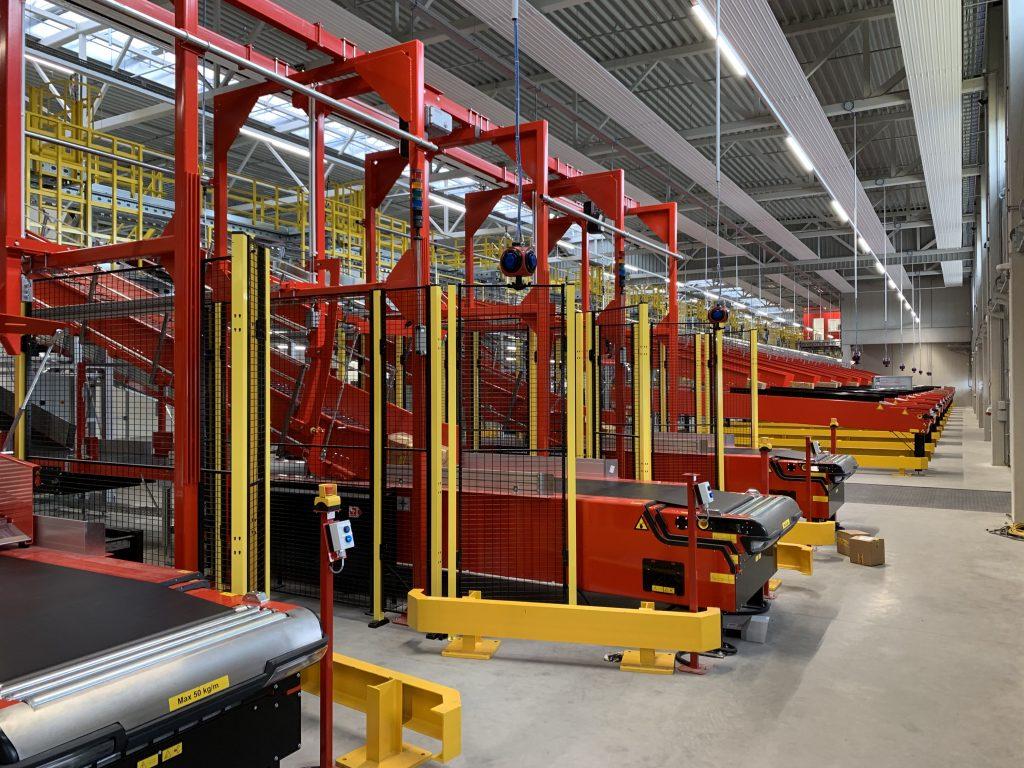 Logistics BusinessVanRiet Sorter Plays Key Role at DHL Express Centre