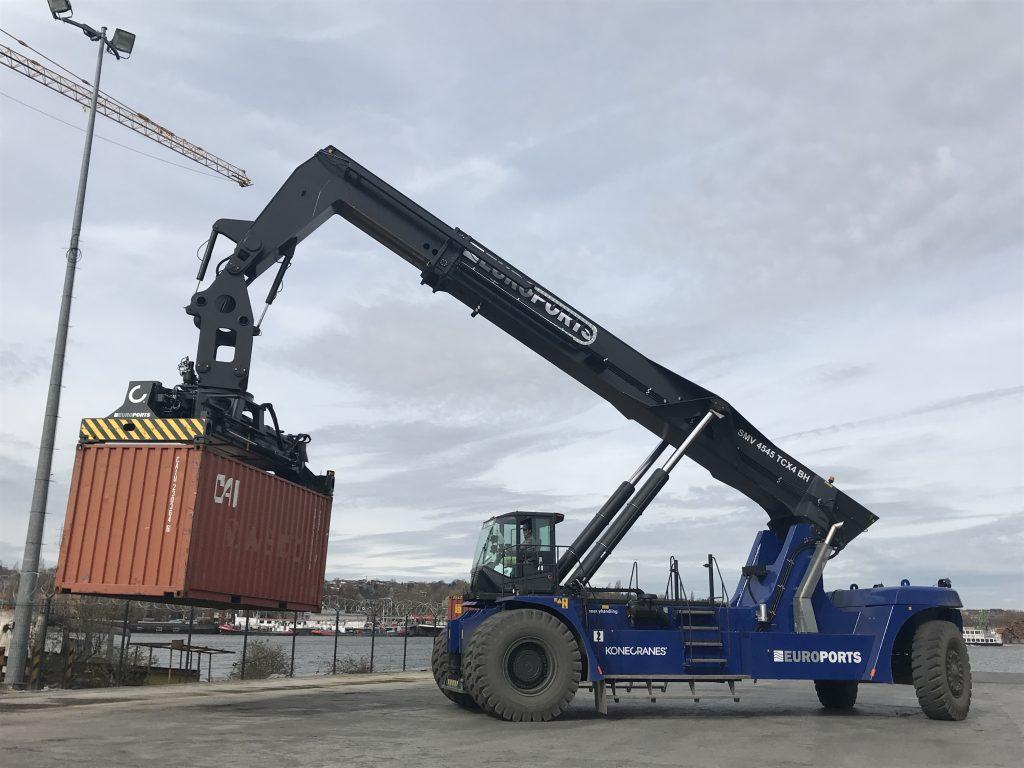 Logistics BusinessFour Konecranes Barge Handlers for Ports de Lille