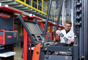 Logistics BusinessFronius Cost-Optimisation for Forklifts on Show at IMHX