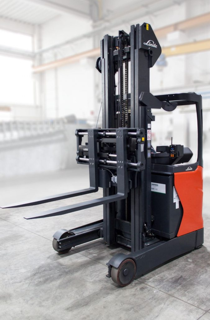 Logistics BusinessForks Specialist to Show First Electronically Operated Attachment at IMHX 2019