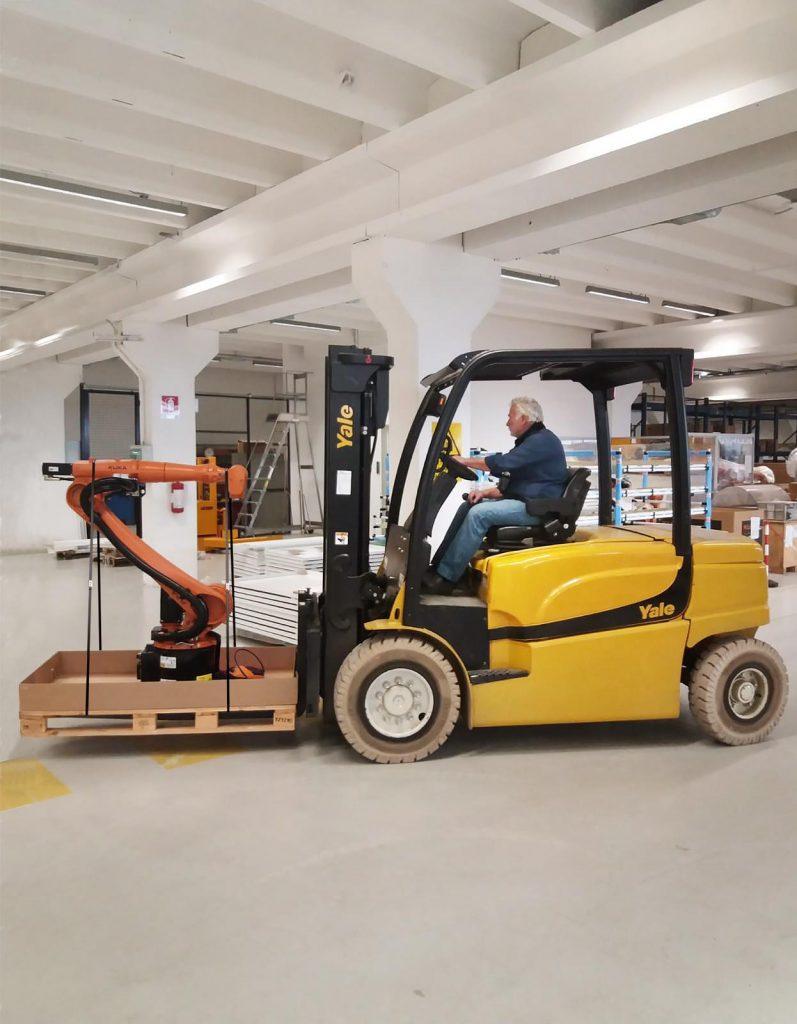 Logistics BusinessYale Equipment Gives KUKA Industrial Robots a Lift