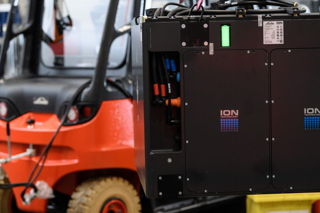 Logistics BusinessLinde Material Handling Expands Lithium-ion Portfolio