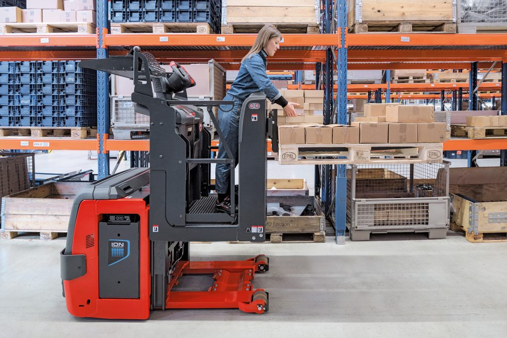 Logistics BusinessEfficient Second-Level Order Picking with New Linde Model