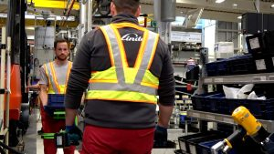Logistics BusinessLinde Launches Vest and Beeper to Ensure Employee Distancing