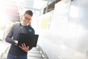 Logistics BusinessOnline Retailer Relies on highly-flexible WMS