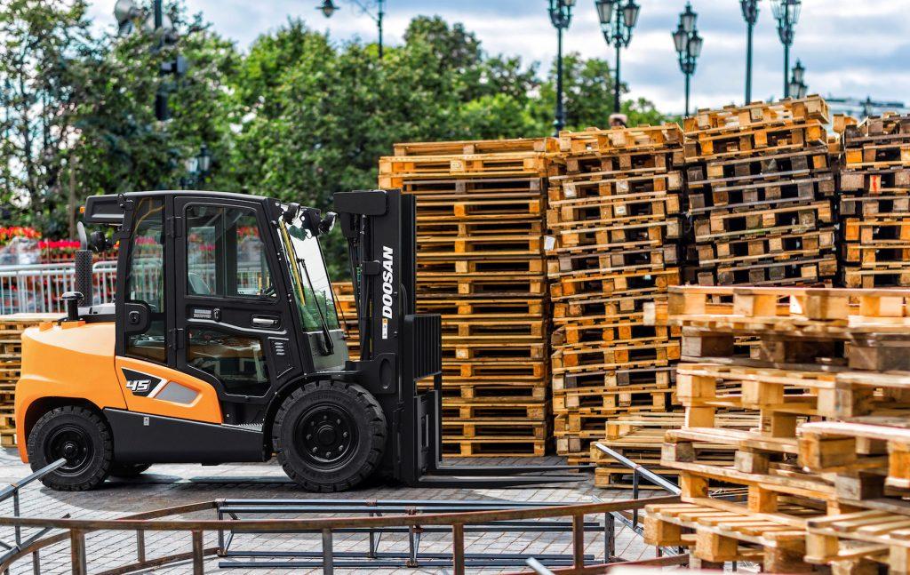 Logistics BusinessForklift Truck Manufacturer launches Smart Telematics