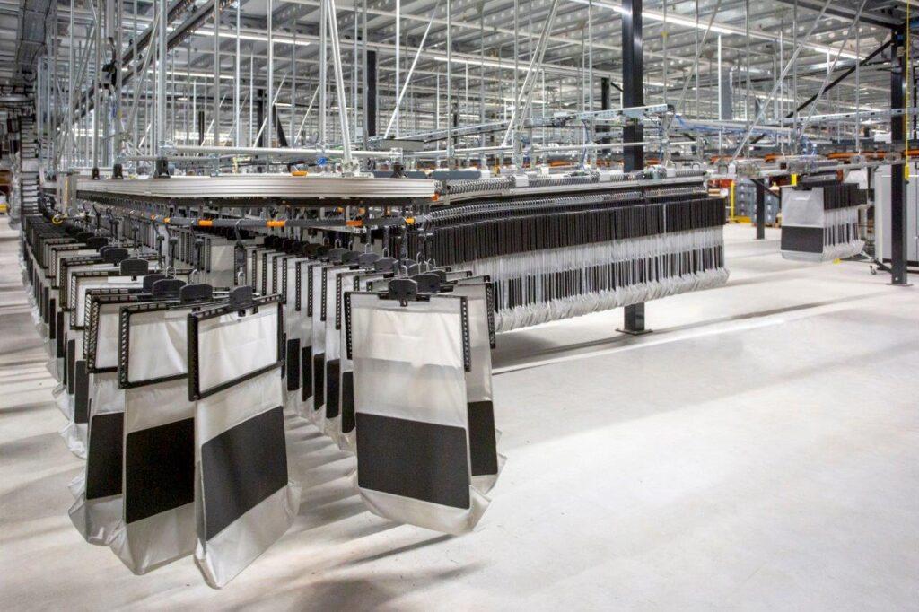 Logistics BusinessVanderlande delivers innovative AIRTRAX Pocket to de Bijenkorf