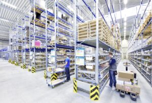 Logistics BusinessSmall Parts Picking in Pallet Racking