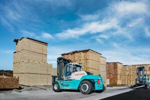 Logistics BusinessForklifts go Electric