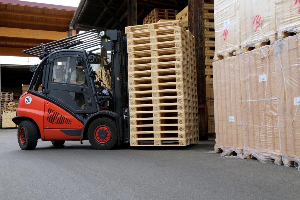 Logistics BusinessPallet Sales Grow as Brexit Deadline Approaches