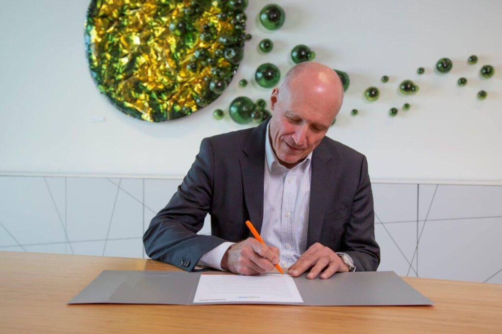 Logistics BusinessVanderlande commits to Climate Pledge