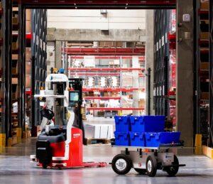 Logistics BusinessEffidence Technologies and Manitou sign Strategic Partnership