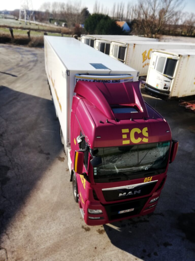 Logistics BusinessSolar Panels on Refrigerated Trailers offer Benefits
