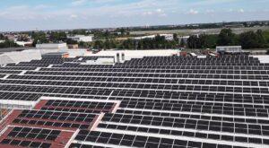 Logistics BusinessToyota uses 100% renewable electricity